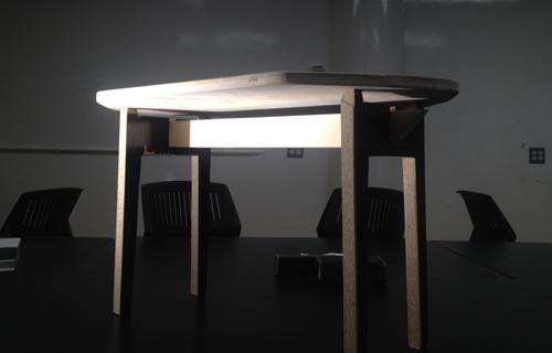 DOBERMAN TABLE